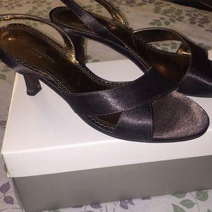 Liz Claiborne Brown strap sandals Size 6